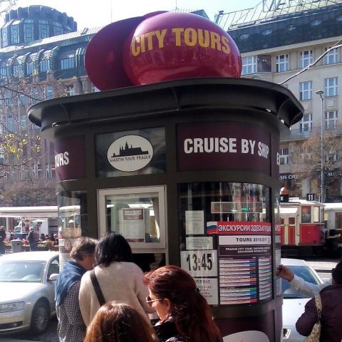 c_480_480_16777215_00_images_tours_01a-Kiosk-Wenceslas-Square.jpg