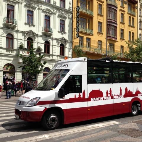 c_480_480_16777215_00_images_tours_01a-bus-VN.jpg
