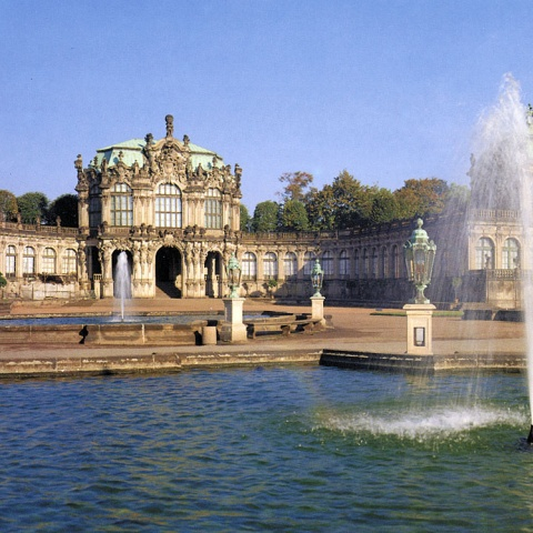 c_480_480_16777215_00_images_tours_dresden-zwinger.jpg
