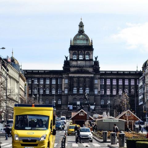 c_480_480_16777215_00_images_tours_pstours-yellow-bus-wenceslas-square-2.jpg