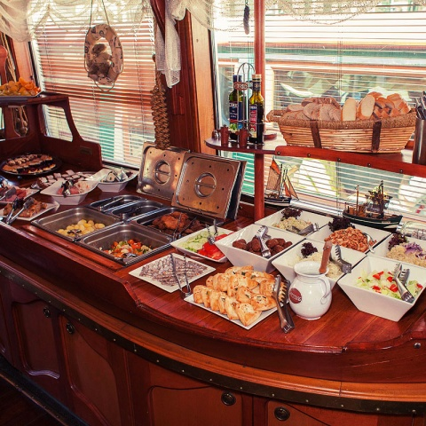 c_480_480_16777215_00_images_tours_river-cruise-lunch-5.jpg