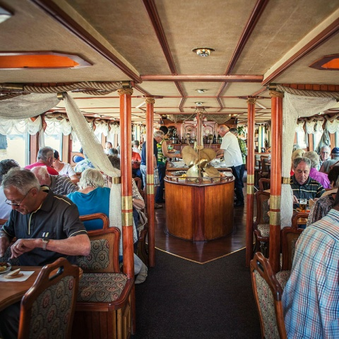 c_480_480_16777215_00_images_tours_river-cruise-lunch-6.jpg