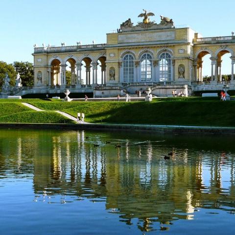 c_480_480_16777215_00_images_tours_vienna-schonbrunn-palace.jpg