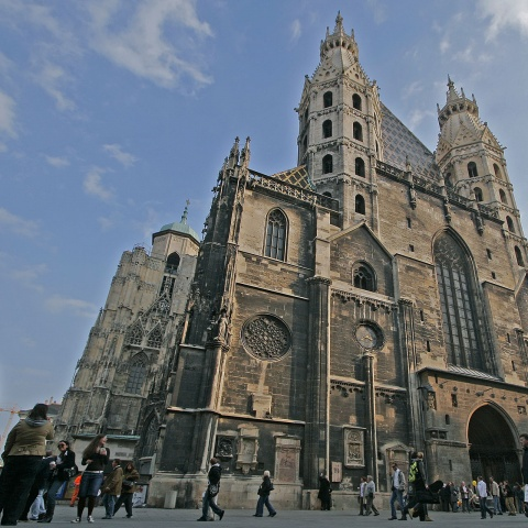 c_480_480_16777215_00_images_tours_vienna-st-stephens-cathedral.jpg