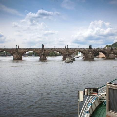 c_480_480_16777215_00_images_tours_vltava-river-cruise-1.jpg