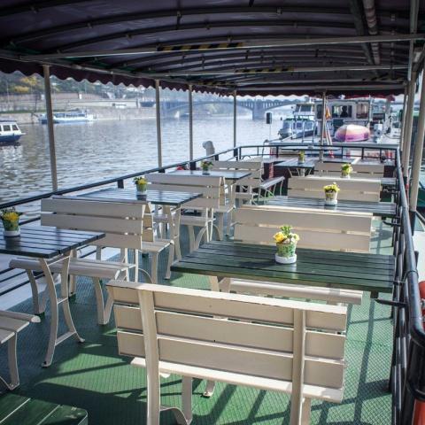 c_480_480_16777215_00_images_tours_vltava-river-cruise-3.jpg